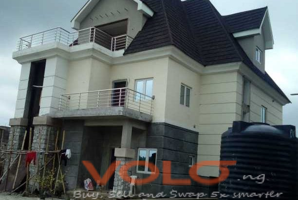 five bedroom duplex for sale